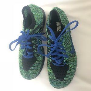 NWOT NikeID Free Flyknit shoes